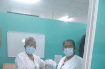 Personal de enfermería de la provincia de Coclé, recibiendo máscaras faciales.