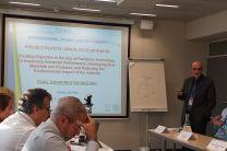 El Dr. Wilson Calvo, de Brasil, resumiendo los logros del Proyecto
