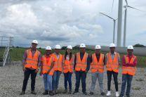 Estudiantes de I año de la carrera de Ingeniería Electrónica y Telecomunicaciones del Centro Regional de Coclé.