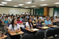 Estudiantes y docentes de la Facultad de Ingeniería Industrial y de otras facultades participaron del evento.