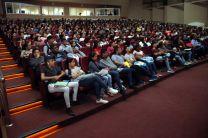 Estudiantes de la FII que tomaron el seminario de inducción en el turno vespertino.