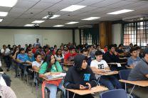 Estudiantes y Docentes de varias Universidades, así como empresas locales se dieron cita al evento.