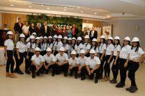 Veintisiete estudiantes de tercer año de ingeniería de la Facultad de Ingeniería Industrial participaron de este simbólico acto.