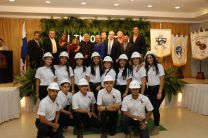 Trece estudiantes de tercer año de ingeniería de la Facultad de Ingeniería Mecánica también participaron de este evento.