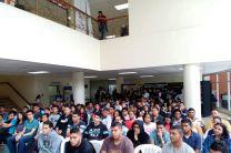 Docentes y estudiantes de la Universidad Tecnológica de Panamá