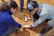 Estudiantes reciben capacitación en el uso de Barreno de Media Caña.