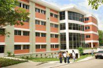 Edificio 3, alberga las aulas de la FISC.