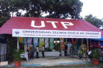 Stand de la UTP, en la Feria Institucional de Coclé.