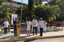 La Ing. Vivian Valenzuela, Vicerrectora de Vida Universitaria y el Dr. Alexis Tejedor, Vicerrector de Investigación, Postgrado y Extensión, entregaron los reconocimientos.