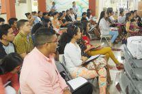 Participación de docentes y estudiantes del Centro Regional.
