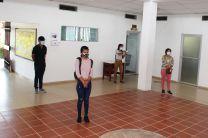 Estudiantes del Centro que recibieron sus tablets.