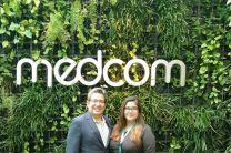 Héctor Montes y Marissa Montes en el Hall de MEDCOM al finalizar el programa.