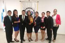 Estudiantes de Licenciatura en Mercadeo y Comercio Internacional.