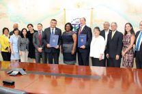 UTP firma acuerdo de Cooperacion con Arkansas.
