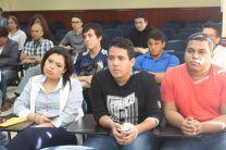 Docentes, estudiantes e investigadores participan de la entrega de Premios a la Excelencia Académica.