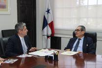 Rector de la UTP recibe visita de Embajador de Israel en Panamá
