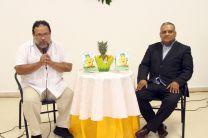 Un conversatorio entre el poeta Héctor Collado y el escritor de la obra ganadora, Porfirio Salazar.
