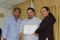 Reconocimiento al escritor Licdo.Samid Sandoval, por la profesora Yabel Toribio.
