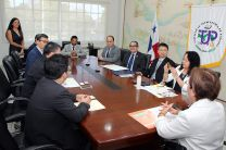 Autoridades de la UTP y de la Universidad Jinan.