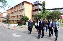 Representantes de la Universidad de Jinan se reunieron con autoridades de la Facultad de Ciencias y Tecnología y realizaron un recorrido por el Campus de la UTP.