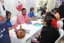 Estudiantes de la UTP participan de la Feria de Empleo.