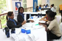 Estudiantes participan de la Feria de Empleo en la UTP.