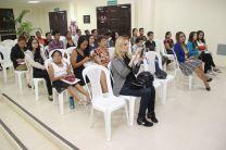 Estudiantes, profesores y escritores participan del conversatorio