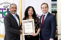Evelin Lozano, Ganadora del Premio Hersilia Ramos De Argote.