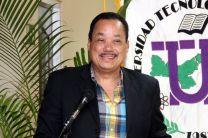 Dr. Ricardo López, Decano de la Facultad de Ciencias y Tecnologías felicita a las madres