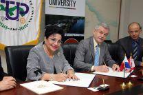 UTP firma Convenio con la Universidad Trent, Canadá.