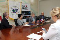 UTP firma Convenio con la Universidad Trent, de Canadá.