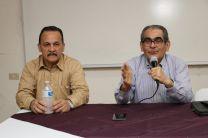 Director del Centro Regional de Chiriquí, Licdo. Abdiel Saavedra y el Rector de la UTP, Ing. Héctor Montemayor.