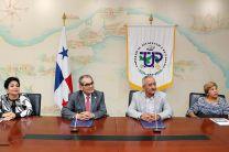 Firmaron el convenio el Ing. Héctor M. Montemayor Á., Rector de la UTP y el Dr. Arnulfo Gutiérrez, Director General del IDIAP.