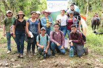 Estudiantes que participaron en la Reforestación en Finca La Esperanza