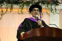 Rector de la UTP, en medios de su discurso.