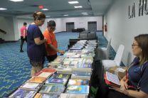 Exhibición y venta de los libros leídos por los concursantes en el Vídeo.