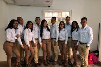 Estudiantes que participaron de la ceremonia.