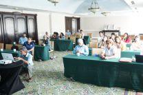 Investigadores, docentes y estudiantes en charlas previas a la gira.