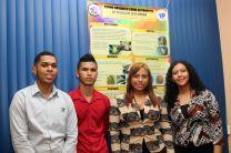Estudiantes de la Facultad de Ingeniería Civil, presentan el Proyecto Abono Orgánico como alternativa de Reciclaje en el Hogar.