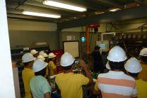 Estudiantes de visita en Laboratorio Especializado en el Canal de Panamá.