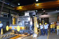 Profesionales muestran funcionamiento del Taller de Rieles y Energía.
