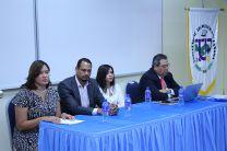 el Panel estaba dirigido a estudiantes del área del Recurso Humano.