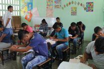 Estudiantes del colegio de Bisira.
