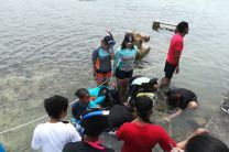 Los jóvenes desarrollaron actividades teóricas y prácticas relacionadas al cambio climático e identificaron diferentes especies de marinas.