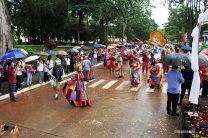 El desfile cívico- patriótico contó con reinas, murgas, tamboritos y carros alegóricos.
