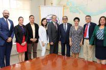 Foto oficial de los participantes en la reunión.