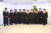 Autoridades de la UTP participaron en el acto de graduación.