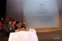 El Consejo General Universitario en sesión extraordinaria ampliada.