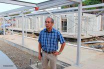 Director del Centro Regional de Bocas del Toro acompañó al Rector en el área de construcción.