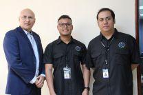 El Director de Investigación junto a los expositores del Ciclo de Conferencias del Receso Académico.